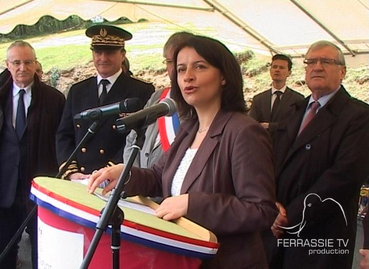D'aprèp Cecília Duflot, ministra de l'egalitat dels territòris e del lòtjament, « devèm inventar l'avenir en desvolopar una vertadièra solidaritat entre l'urban e lo rural. »